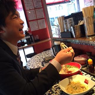 ラーメン食べる人(杉本さん)
